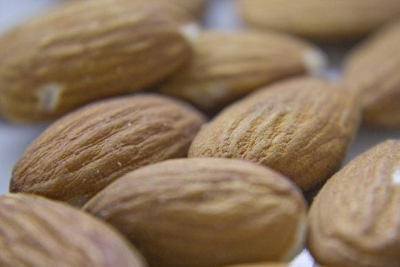 almonds-1317800-1599x1066
